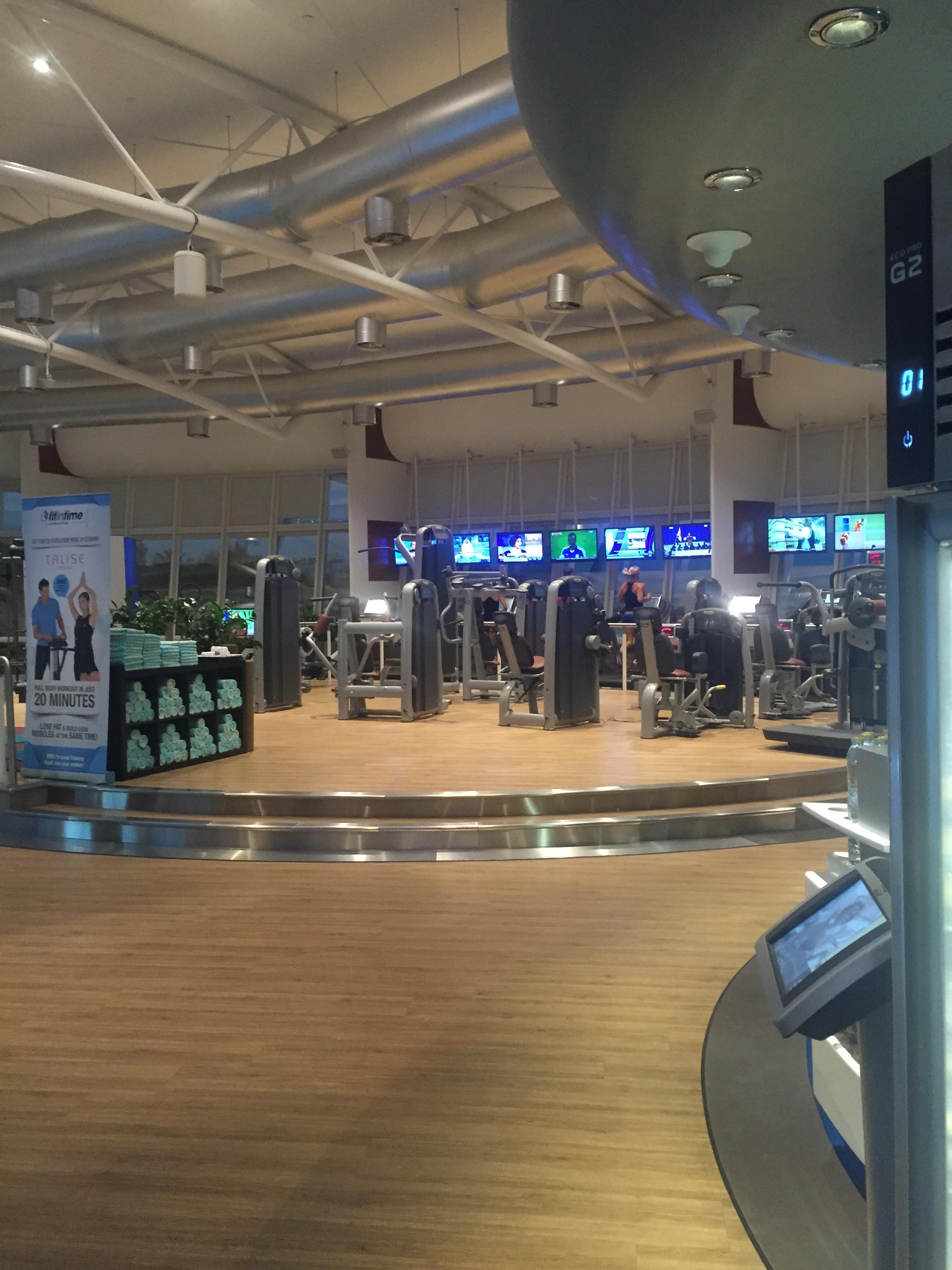 Meredith Kessler Dubai Jumeirah Beach Hotel Gym