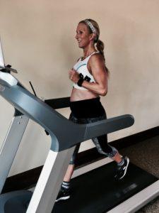Meredith Kessler running on treadmill baby bump